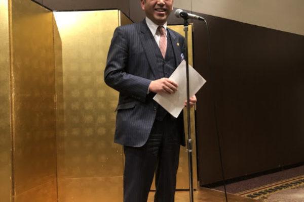 代表幹事を務める小川氏より懇親会の開会挨拶